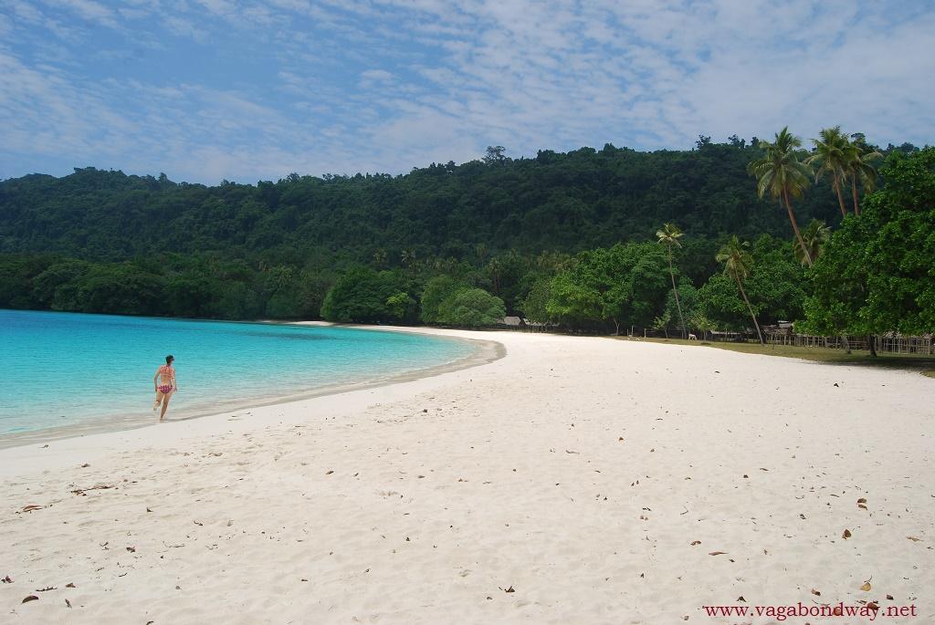 Champagne-Beach-in-Vanuatu