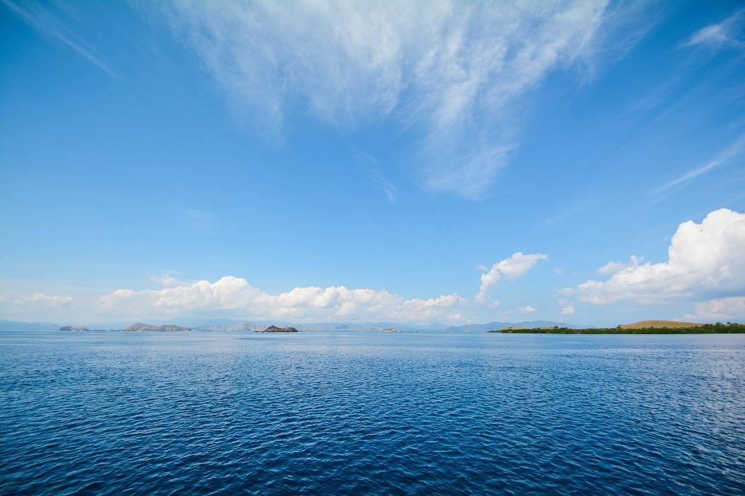 boat travel in Labuan Bajo Indonesia