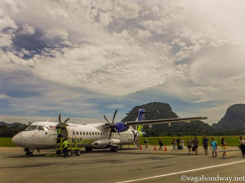 Budget flight Borneo Malaysia