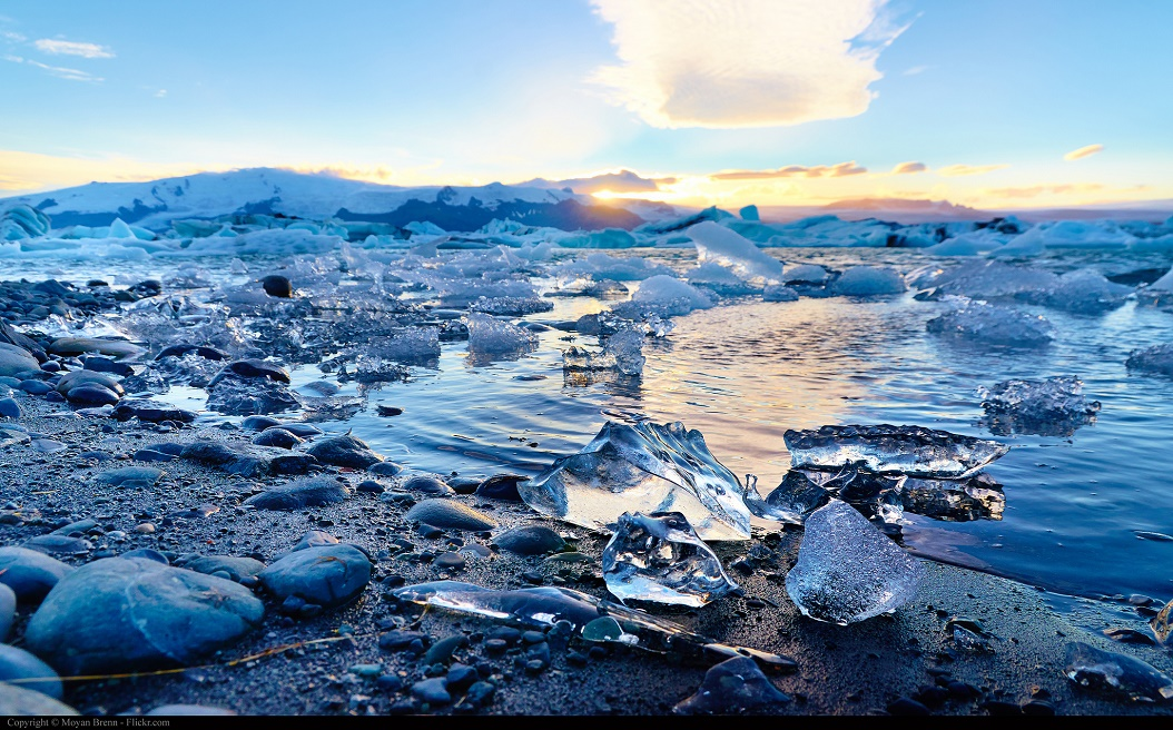 Moyan_Brenn_-_Iceland_Jokulsarlon_glaciar_lagoon_sunset_of_september